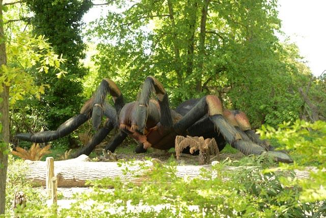 L'impressionnante  mygale géante du labyrinthe, une des animations du parc de Thoiry.