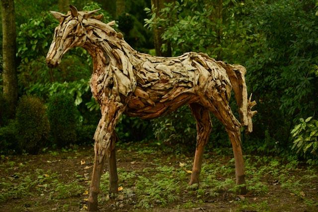 Le labyrinthe des champs et son cheval fantastique...